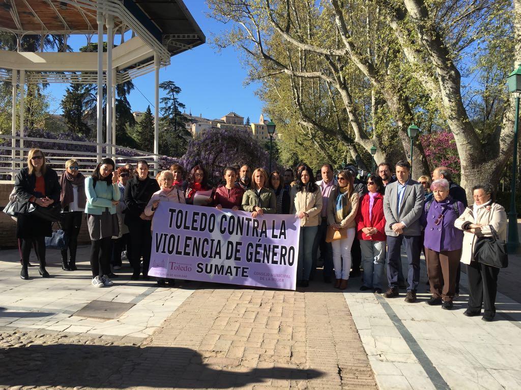 """http://www.toledo.es/wp-content/uploads/2017/04/20170404_concentracion_mensual-2.jpeg. El Ciudadano exige """"una verdadera reacción contra el terrorismo machista"""" y centrará el Día Vecinal en este asunto"""