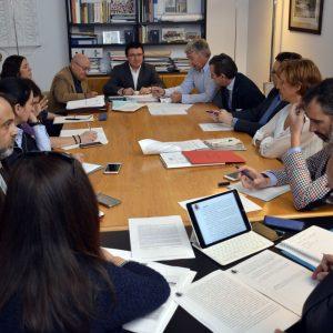 El Gobierno local informa en la Comisión de Urbanismo de las posibles actuaciones tras las sentencias sobre el POM