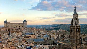 """https://www.toledo.es/wp-content/uploads/2017/04/conferencia-100-anos.jpg. Ciclo de Conferencias """"Toledo dentro de 100 años"""""""