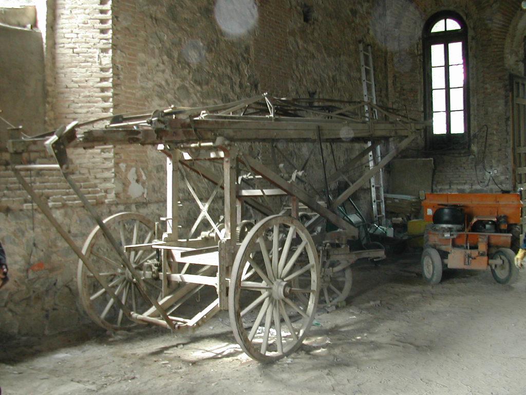 Escala Magirus 1904. Bomberos de Toledo. Almacén del Cementerio