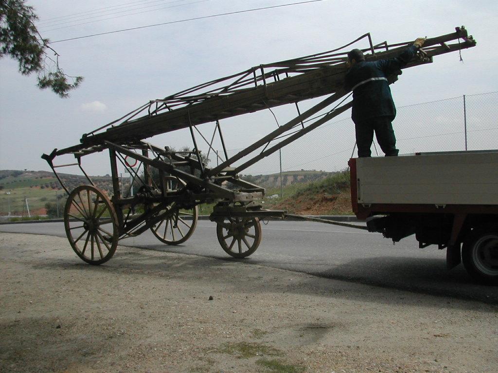 Escala Magirus 1904. Transporte al parque de Bomberos de toledo