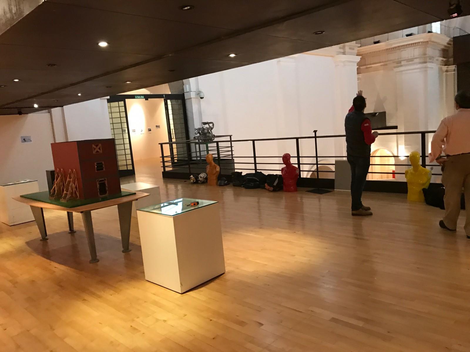 Montaje exposición 153 años Bomberos de Toledo30 años Pablo Carrasco (12)