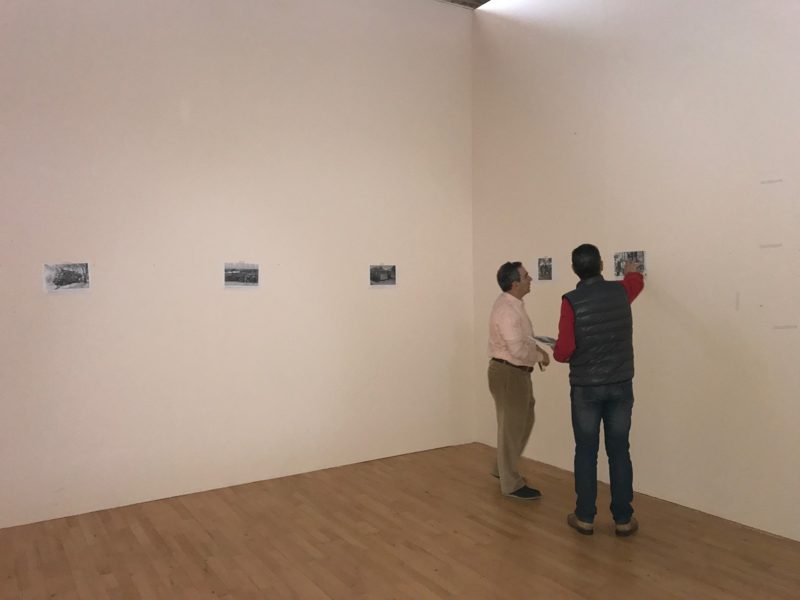 Montaje exposición 153 años Bomberos de Toledo30 años Pablo Carrasco (5)