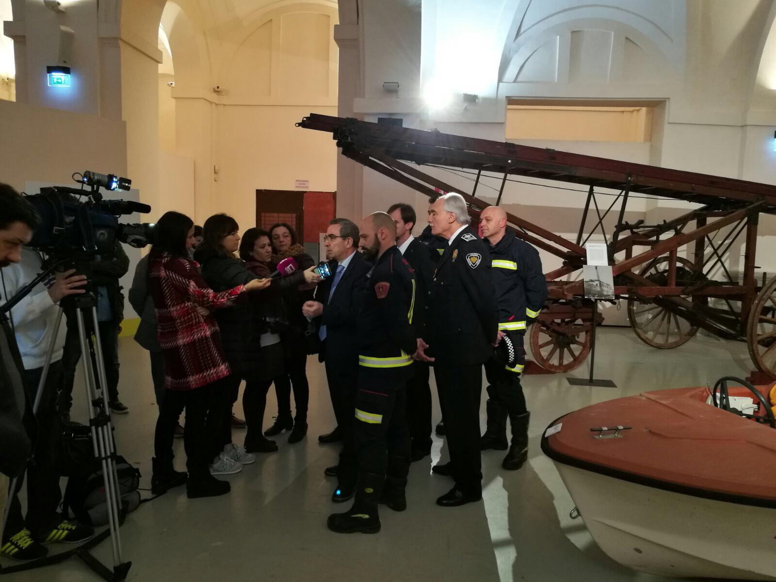 Presentación de la Exposición 150 años Bomberos de Toledo30 años Pablo Carrasco (10)