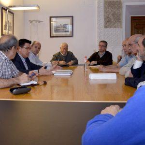 El equipo de Gobierno traslada al colectivo vecinal información actualizada sobre la situación del planeamiento urbanístico