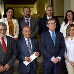 La alcaldesa asiste al homenaje al profesor Ricardo Izquierdo, figura imprescindible para el estudio del Toledo medieval