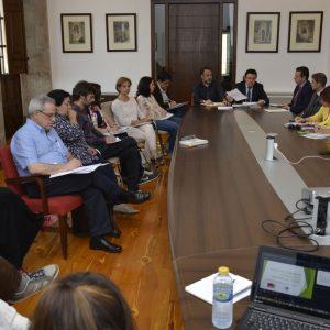 El Gobierno Local traslada a los miembros de la Mesa de Vivienda la tramitación del primer Plan de Vivienda y Rehabilitación de la ciudad