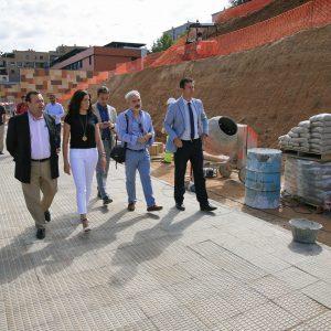 El Ayuntamiento remodela el talud anexo al centro de salud Buenavista para evitar movimientos de tierra y mejorar su estética