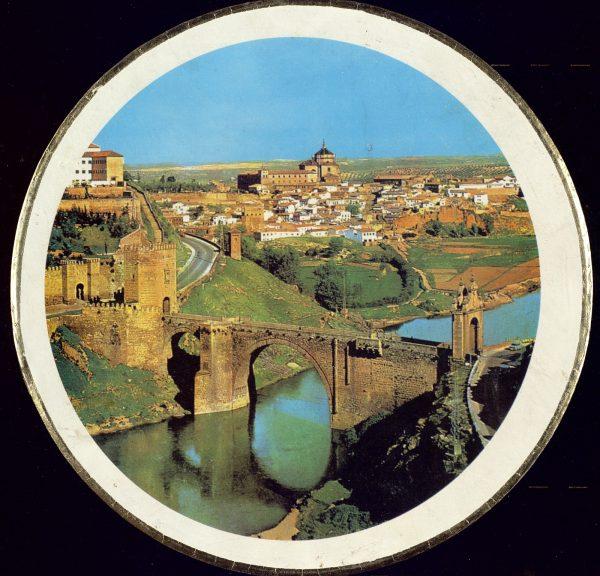 16 - Caja de mazapán de Toledo