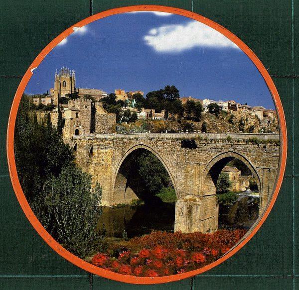 18 - Caja de mazapán de Toledo