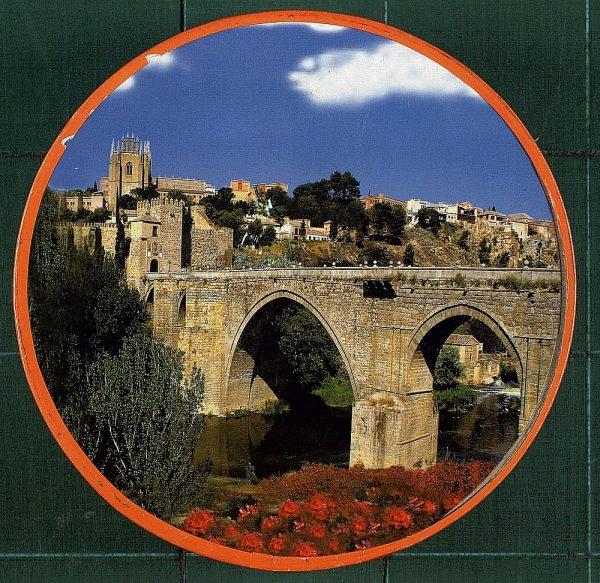 41 - Caja de mazapán de Toledo