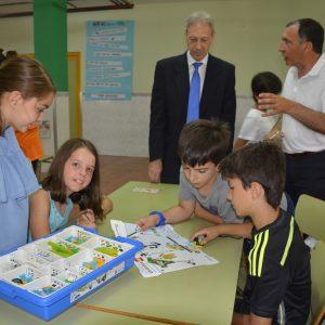 El Ayuntamiento inaugura el campamento urbano bilingüe 'Viajando por el Mundo' al que asisten un centenar de escolares