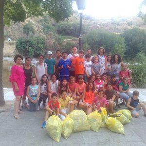 l Consejo de Participación Infantil y Adolescente de Toledo sale a la calle para evidenciar su preocupación por la situación del Tajo