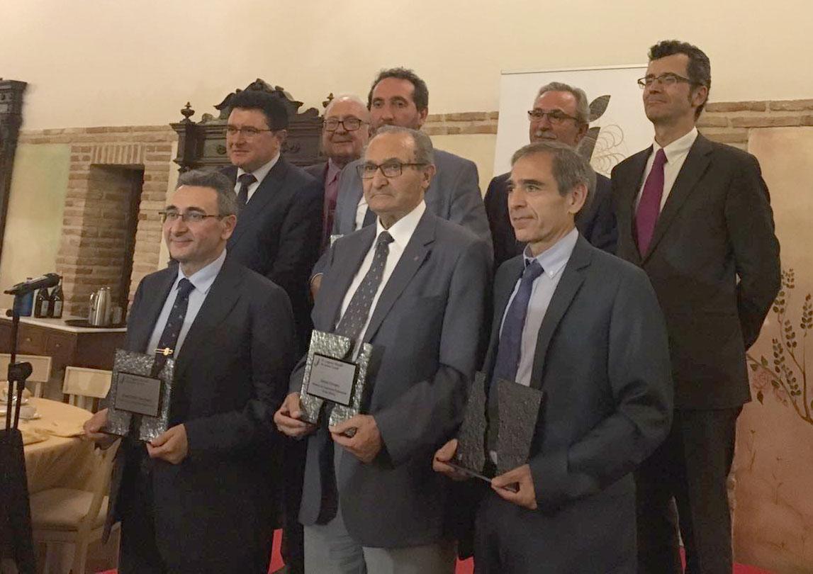 http://www.toledo.es/wp-content/uploads/2017/06/reconocimientos_congreso_jamon.jpg. El equipo de Gobierno, en la entrega de premios del IX Congreso Mundial del Jamón Curado que hoy se clausura en Toledo
