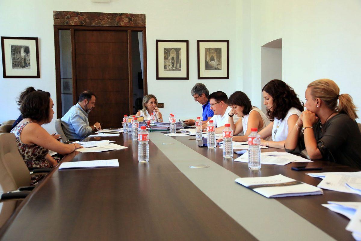 La Junta de Gobierno Local clasifica las ofertas del nuevo servicio de conserjería de colegios y limpieza de edificios municipales