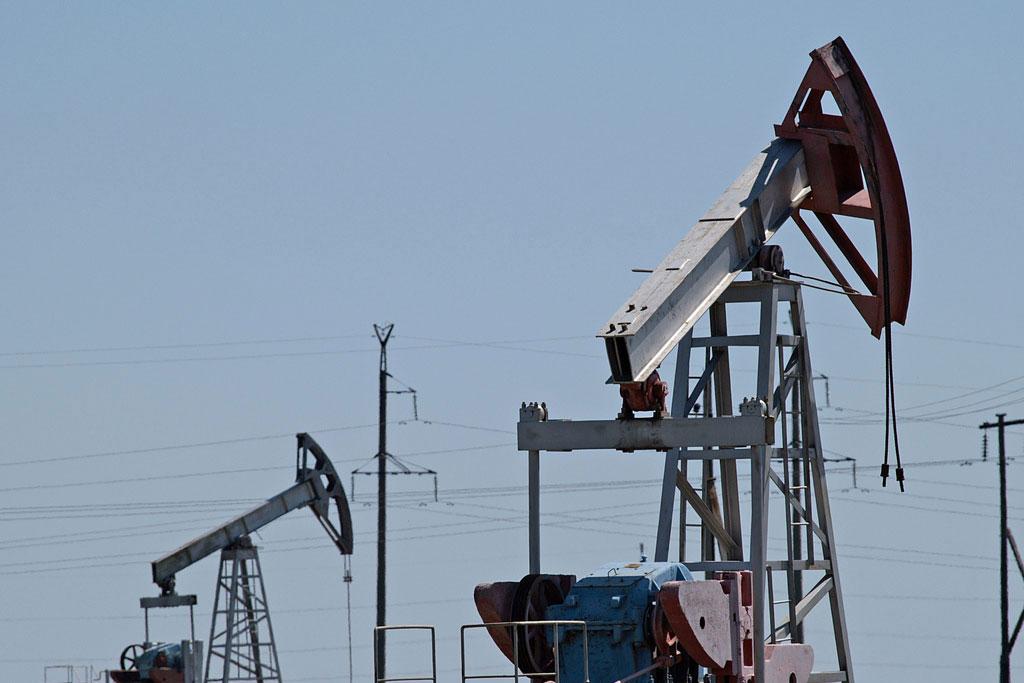 http://www.toledo.es/wp-content/uploads/2017/07/03-19-2014oil_pumps.jpg. Perú debe respetar los derechos de las comunidades indígenas en sus planes petroleros