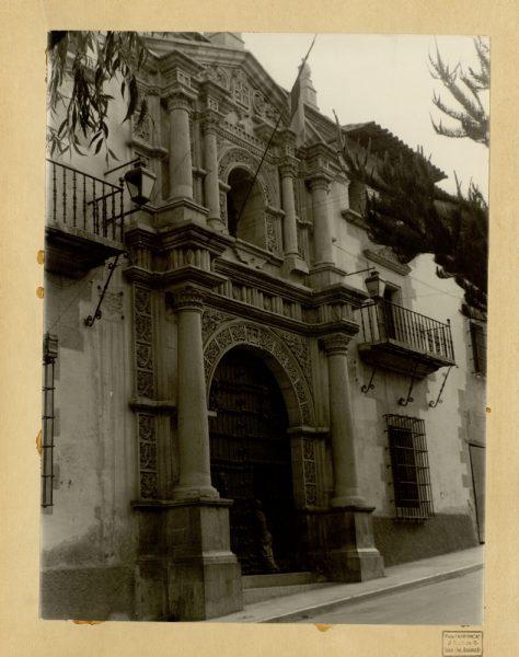 17 - Portada de la Real Casa de la Moneda