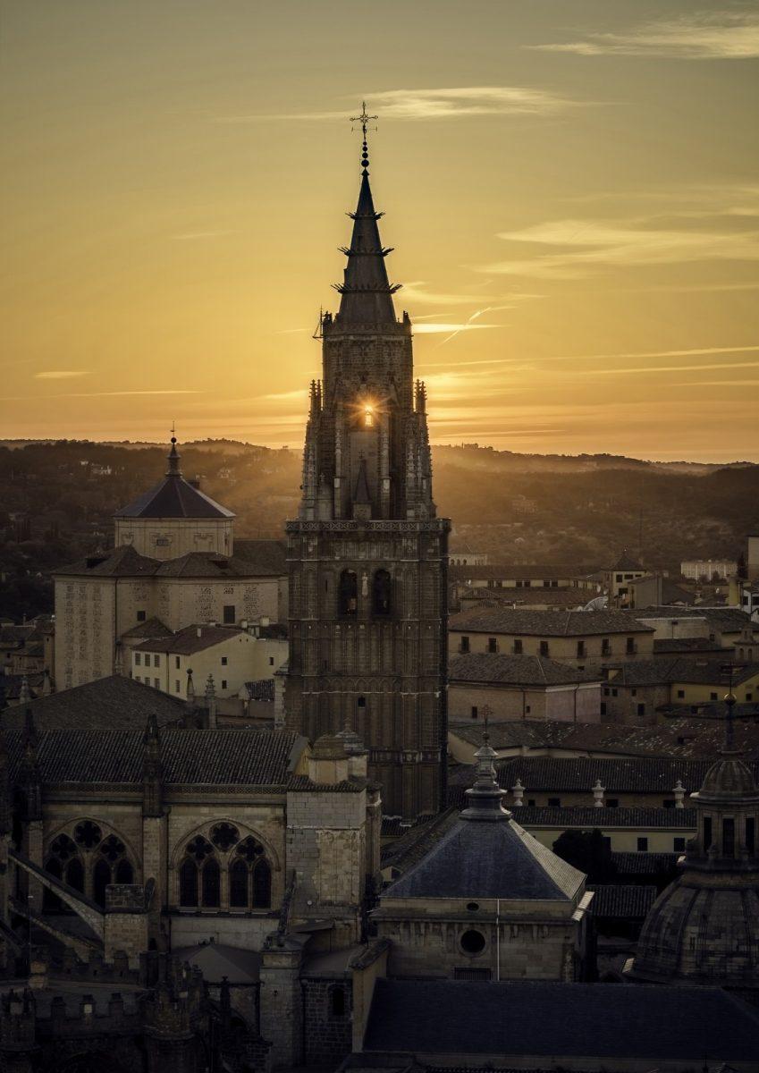 """http://www.toledo.es/wp-content/uploads/2017/07/1o-premio-849x1200.jpg. """"La Catedral del Sol"""", ganadora del concurso de fotografía del 30 Aniversario de 'Toledo Ciudad Patrimonio'"""