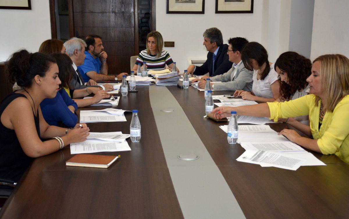 """http://www.toledo.es/wp-content/uploads/2017/07/20170706_junta_gobierno2-1200x756.jpg. Concedida licencia de obras al SESCAM para reforma del acceso a las Urgencias del """"Virgen de la Salud"""""""