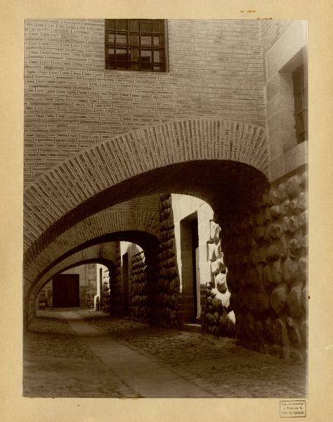 21 - Arcos elípticos de la Real Casa de la Moneda