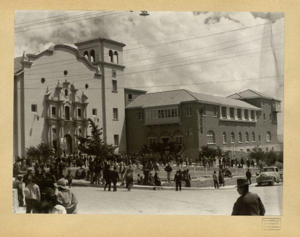 33 - Hotel y teatro IV Centenario