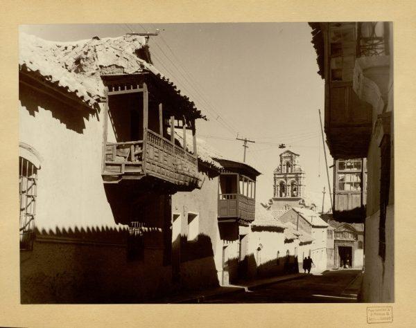 38 - Calle típica de Potosí