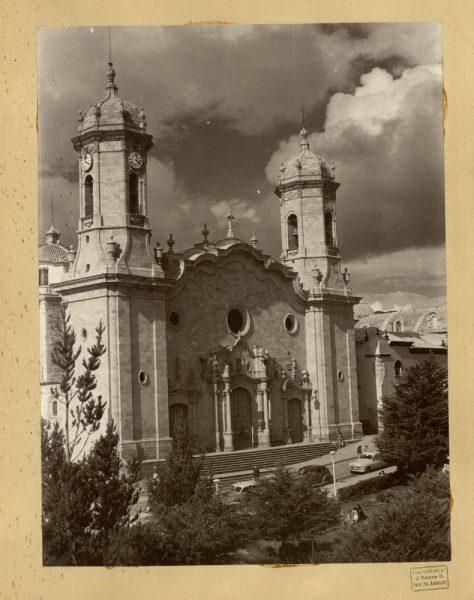 41 - Fachada principal de la catedral
