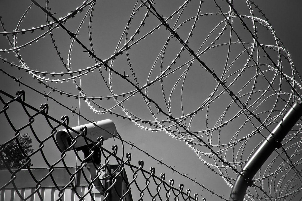 https://www.toledo.es/wp-content/uploads/2017/07/barbed-wire-1670222_1920-1-1200x800.jpg. La Roma más humanitaria afianza un paso seguro a miles de refugiados que llegan a Europa