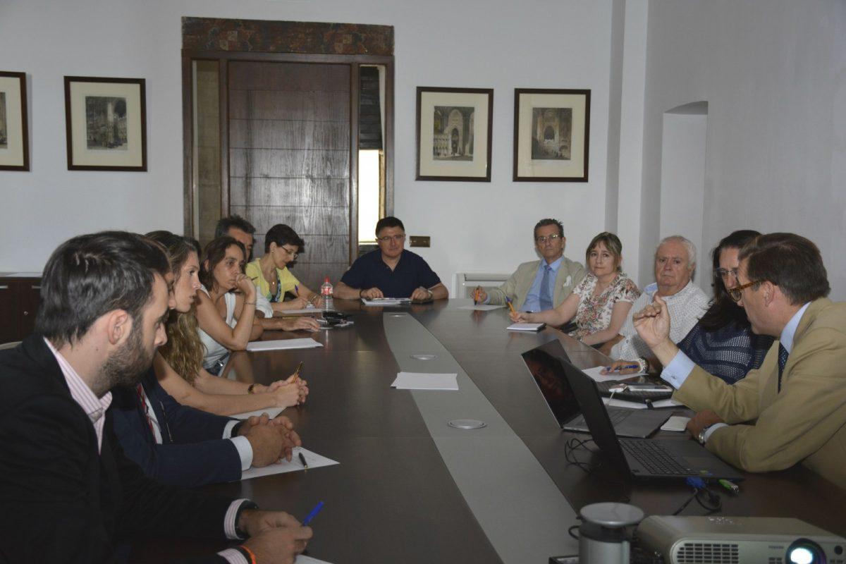 El Ayuntamiento acoge una jornada de seguimiento de las actividades que desarrolla la Oficina de Promoción Económica