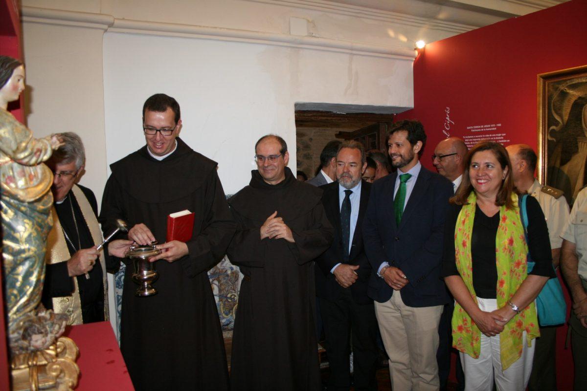 http://www.toledo.es/wp-content/uploads/2017/07/foto-1-1200x800.jpg. El Ayuntamiento, en la inauguración de la exposición de Santa Teresa de los Padres Carmelitas con motivo del 30 Aniversario