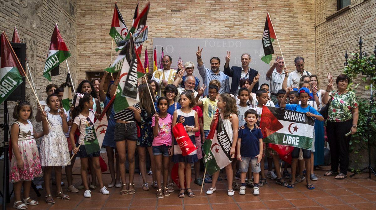 El Gobierno local reitera su compromiso con el Pueblo Saharaui y recibe a los niños que pasarán sus 'Vacaciones en paz' en Toledo
