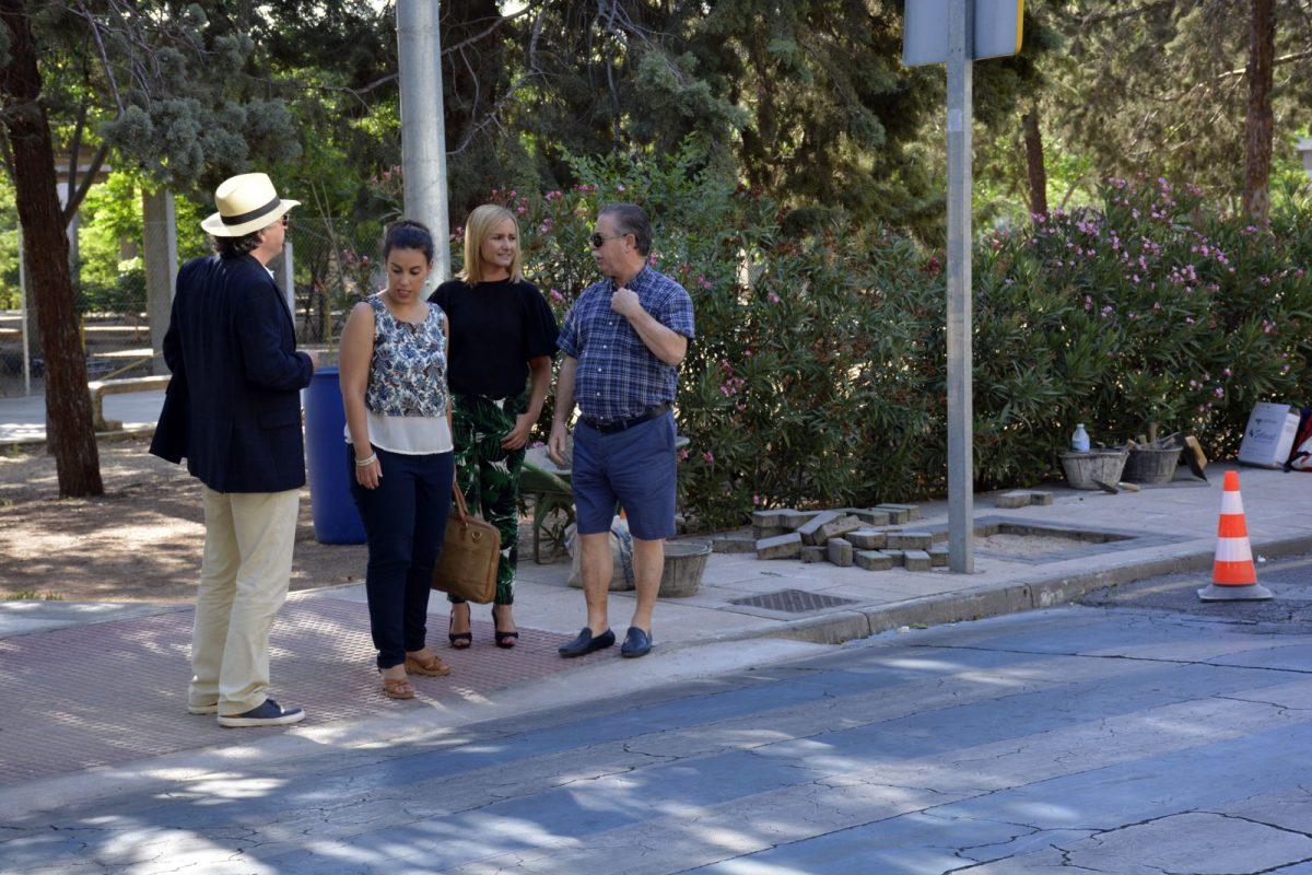 El Consistorio realiza arreglos de accesibilidad y albañilería y labores de limpieza de zonas ajardinadas en Santa Bárbara