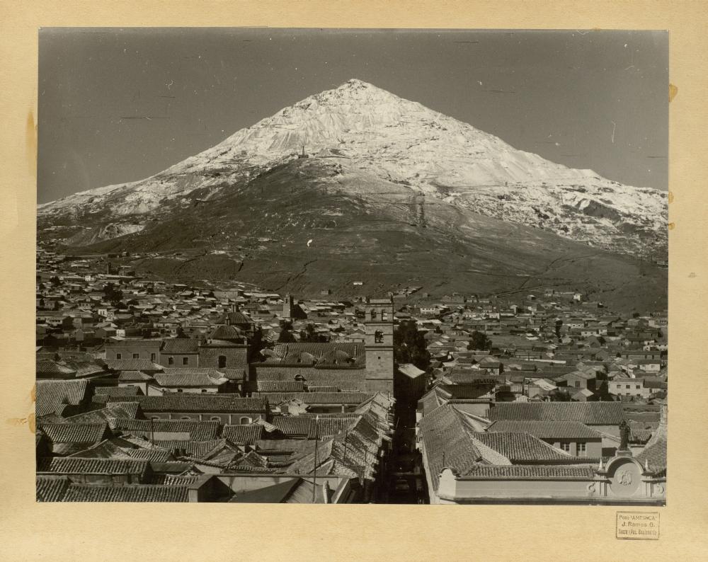 http://www.toledo.es/wp-content/uploads/2017/08/01_potosi_1966-vista-panoramica-de-las-seis-mil-bocas-de-minas-de-plata.jpg. Toledo y Potosí. Historia de un hermanamiento
