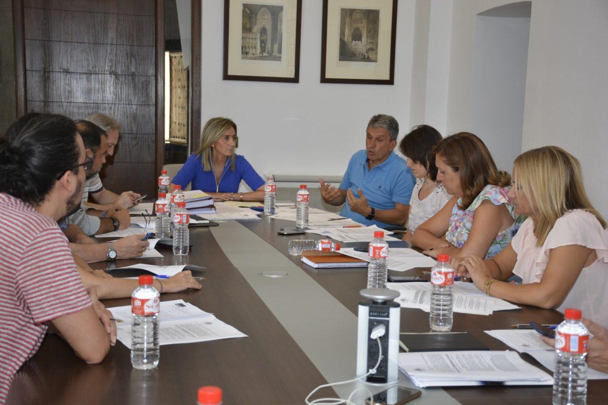 http://www.toledo.es/wp-content/uploads/2017/08/dsc5516-1200x800.jpg. La Junta de Gobierno informa favorablemente la Declaración de Interés Regional para Puy du Fou.