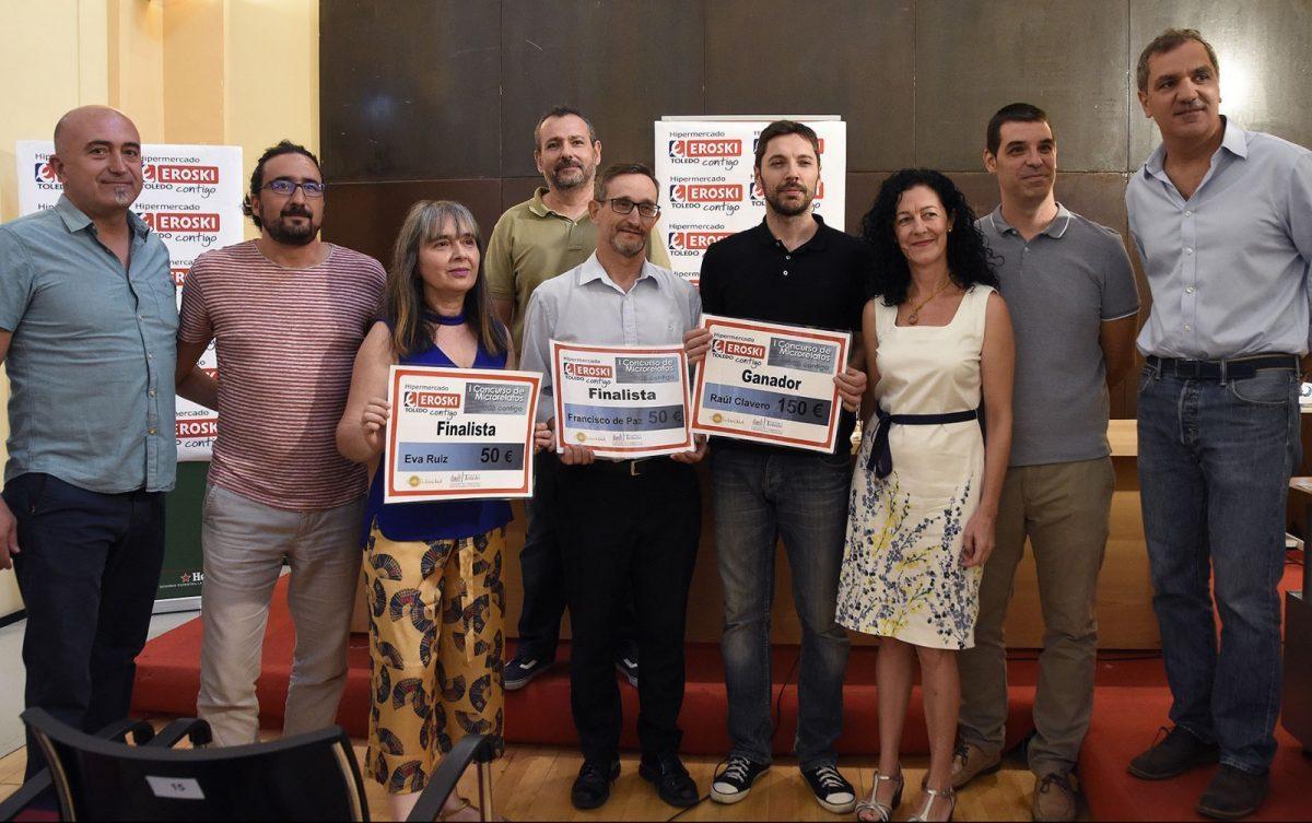 """http://www.toledo.es/wp-content/uploads/2017/08/jp20190-1200x753-1-1200x753.jpg. Raúl Clavero gana el I Concurso de Microrrelatos de """"Solidaridad 365+1"""", cuyos premios se han entregado hoy en San Marcos"""
