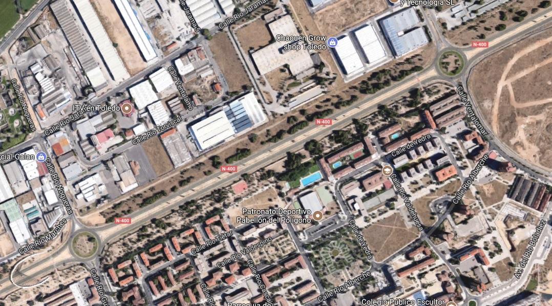 http://www.toledo.es/wp-content/uploads/2017/08/sin-titulo.jpg. Reestablecido el tráfico y el abastecimiento de agua tras la rotura de una tubería en la N-400 junto a la rotonda de Guadarrama