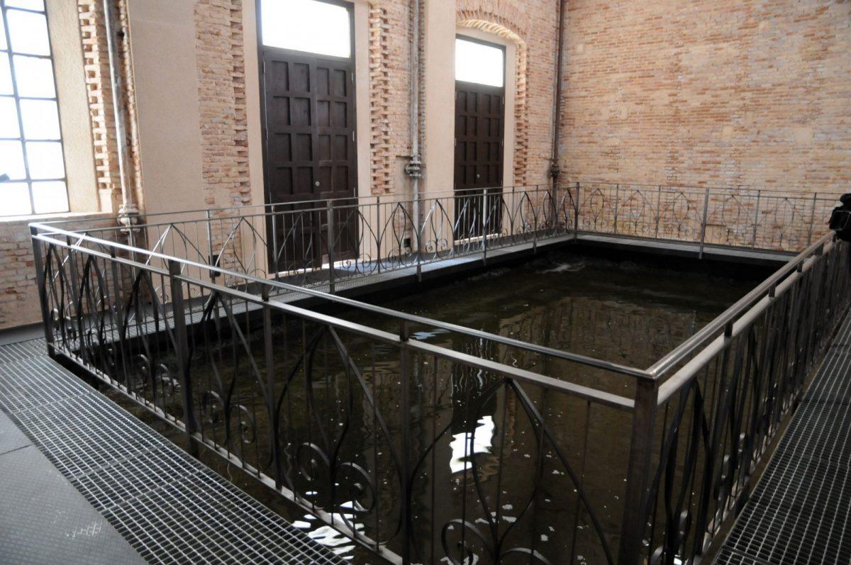 http://www.toledo.es/wp-content/uploads/2017/08/torre_del_agua-1200x797.jpg. La Torre del Agua de Cristina Iglesias se podrá visitar el próximo sábado 19 de agosto gracias a la jornada de puertas abiertas
