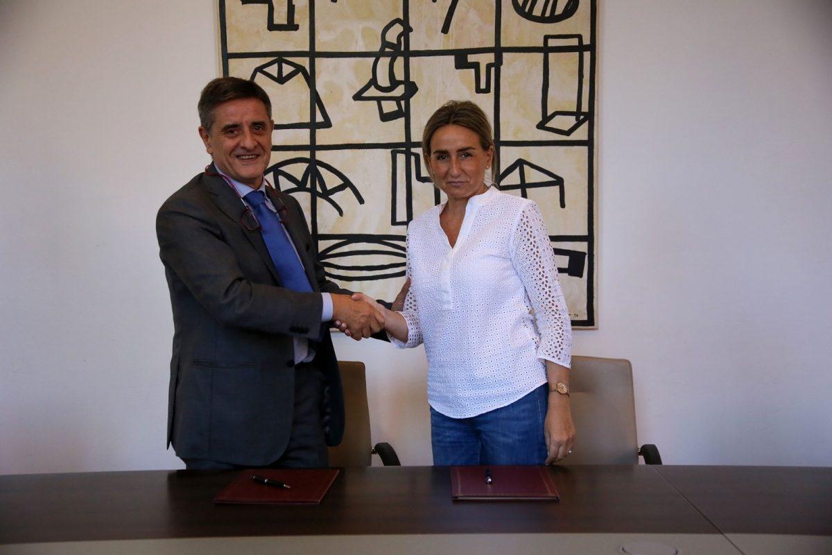 https://www.toledo.es/wp-content/uploads/2017/09/05_convenio_tello-1200x800.jpg. Ayuntamiento y Tello firman un convenio de patrocinio para impulsar el 30 Aniversario de Toledo Ciudad Patrimonio en su recta final