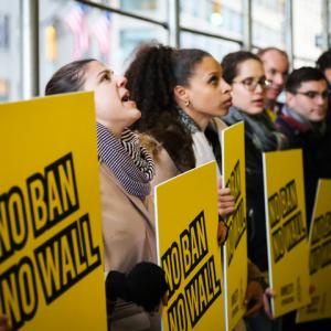 Estados Unidos: El juez Kennedy restablece temporalmente la prohibición de entrada de personas refugiadas