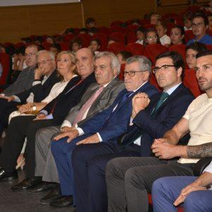 El equipo de Gobierno participa en la entrega de los I Premios Jacobo Aragón a los mejores expedientes académicos del año