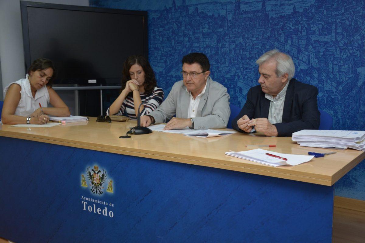 https://www.toledo.es/wp-content/uploads/2017/09/dsc6193-1200x800.jpg. Siete empresas licitan al servicio de regulación del estacionamiento de la ORA y la Grúa en Toledo