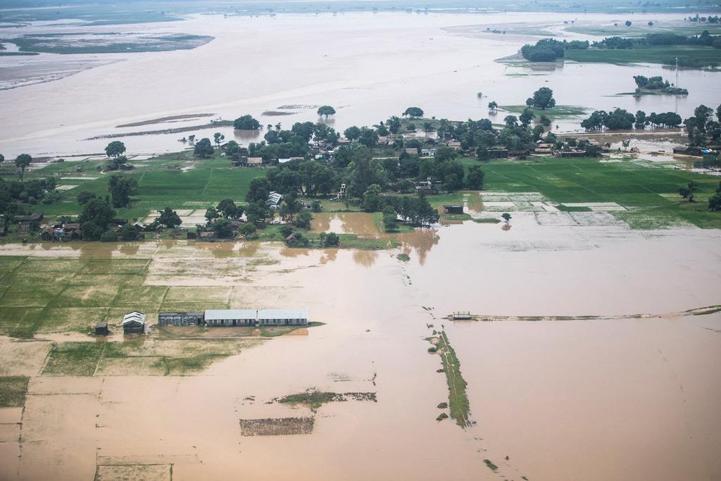https://www.toledo.es/wp-content/uploads/2017/09/nepalfloodsbanke_2017.jpg. Más de 1.200 muertos y 40 millones de afectados por las inundaciones en Asia