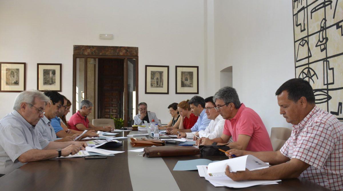 https://www.toledo.es/wp-content/uploads/2017/09/reunion_edusi-01-1200x668.jpg. El Ayuntamiento trabaja para conformar el manual de procedimientos exigido para desarrollar las actuaciones del EDUSI