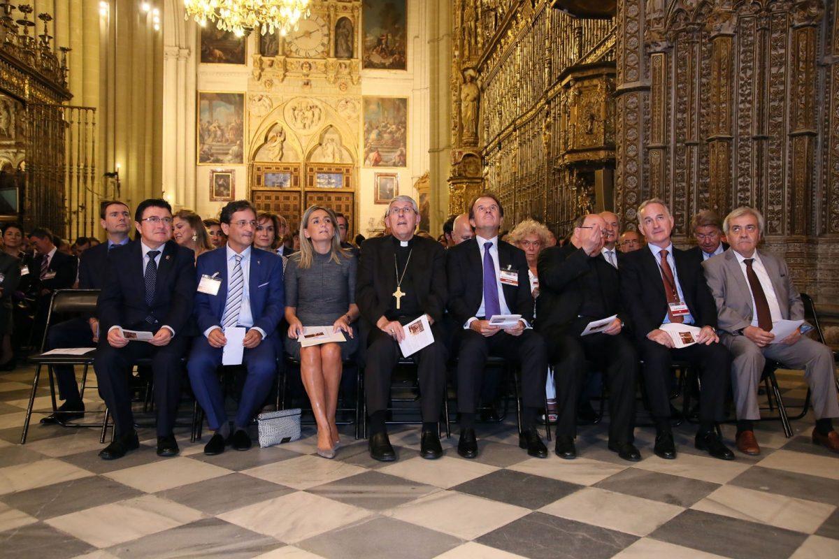 """http://www.toledo.es/wp-content/uploads/2017/10/02_cogreso_empresa_familiar-1200x800.jpg. La alcaldesa destaca la labor de la empresa familiar como """"pieza fundamental de nuestro progreso social y económico"""""""