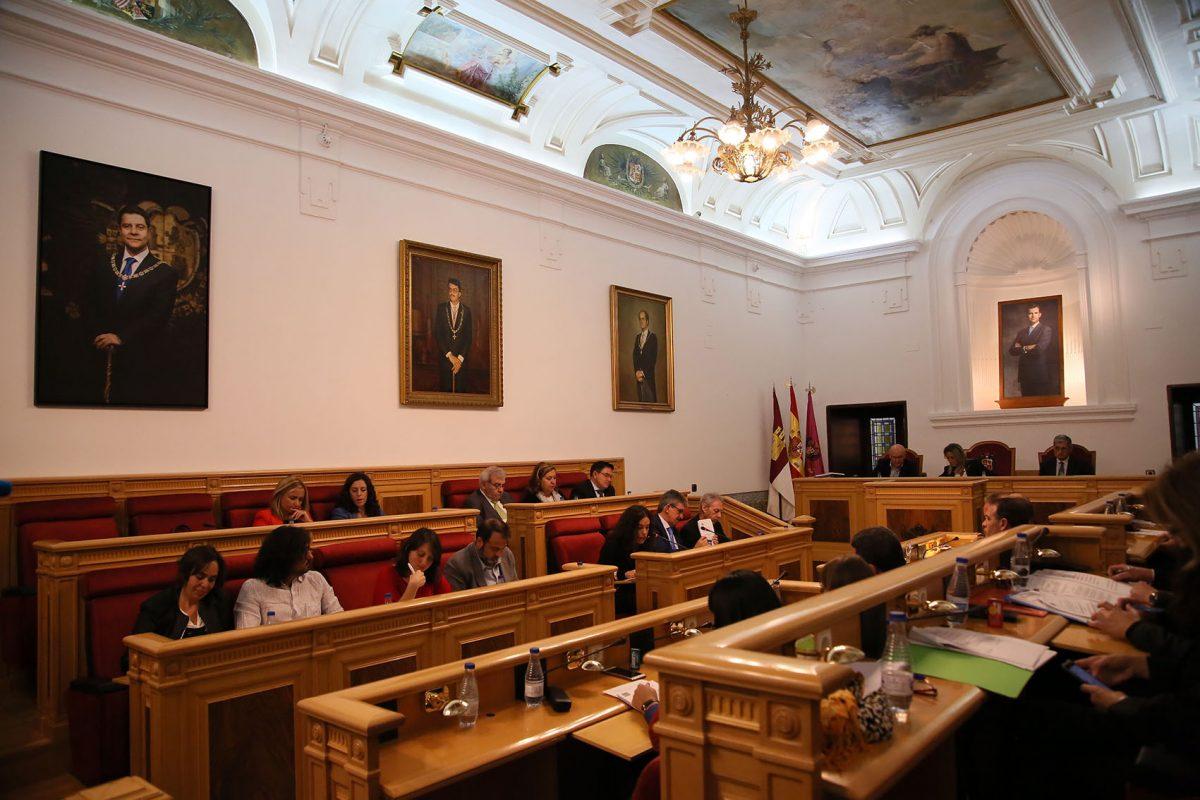 El Pleno aprueba mociones en defensa del sistema de pensiones y del desarrollo del Pacto contra la Violencia de Género