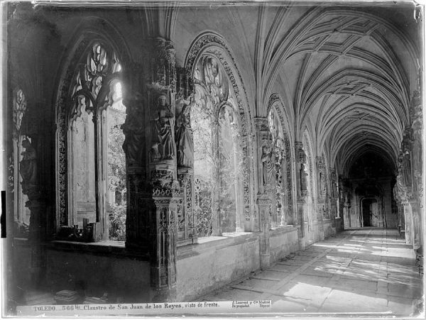 0566 Bis - Claustro de San Juan de los Reyes, visto de frente