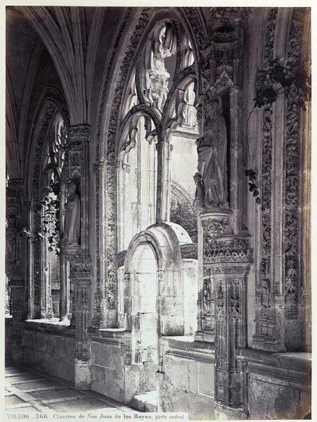 0568 - Claustro de San Juan de los Reyes, parte central