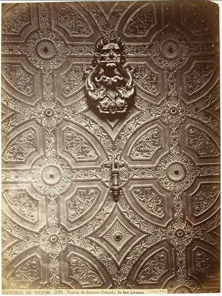 0579 - Catedral de Toledo_Puerta de bronce llamada de los Leones