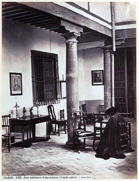 0652 - Cour intérieure d'une maison