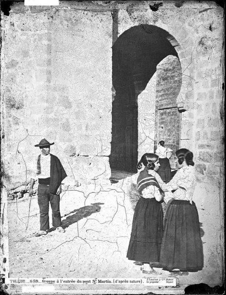0659 - Groupe à la entrée du pont Saint Martin